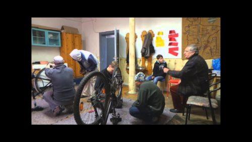 Das Fahrrad-Reparatur-Café hat geöffnet
