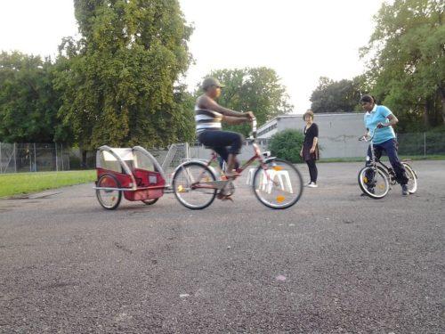 Frauen-Radfahrtraining